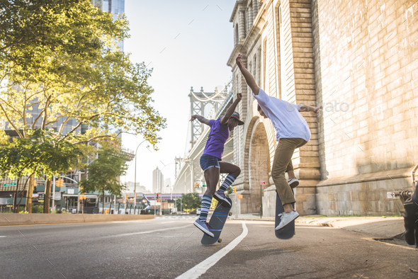 Skaters training in a skate park in New York - Stock Photo - Images