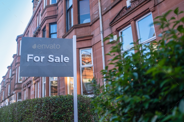 Glasgow Tenement Flat For Sale - Stock Photo - Images