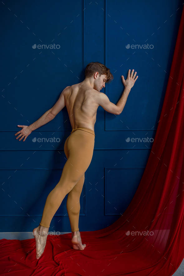 Male ballet dancer, performing in dancing studio - Stock Photo - Images