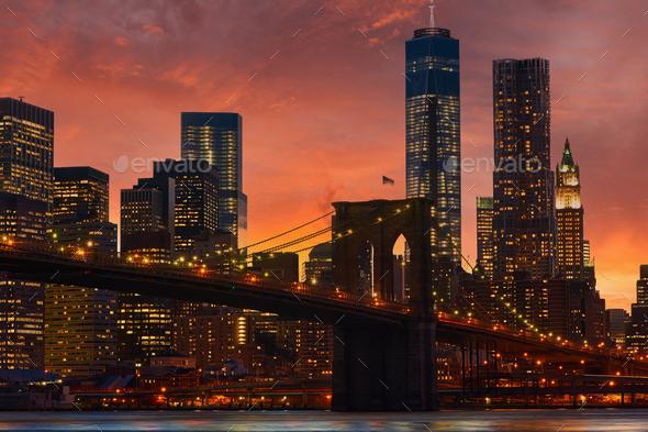Brooklyn Bridge with lower Manhattan skyline - Stock Photo - Images