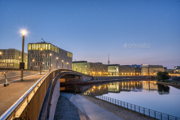 Dawn at the river Spree in Berlin - Stock Photo - Images