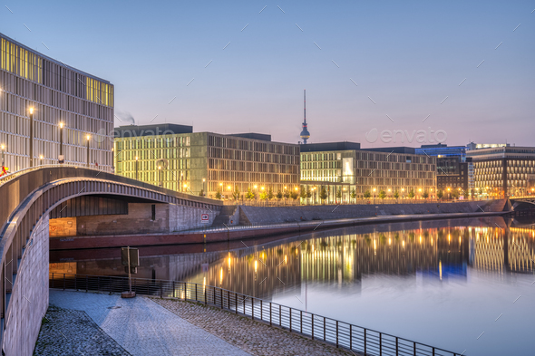 Early in the morning at the river Spree in Berlin - Stock Photo - Images