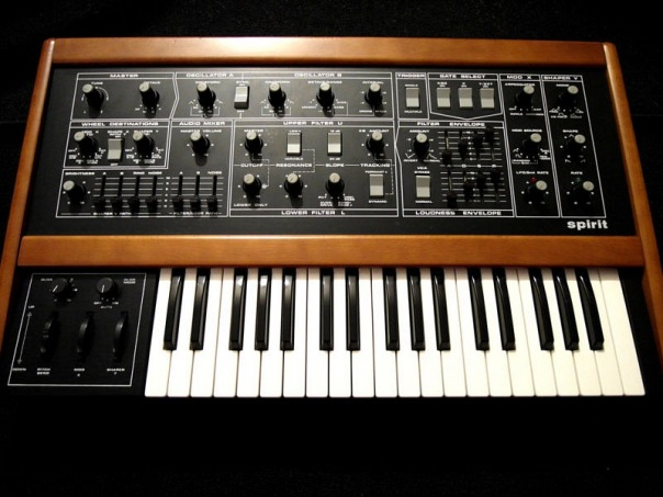 Electronic tracks