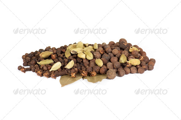 Allspices , black peppers , cardamom and bay leaves. - Stock Photo - Images