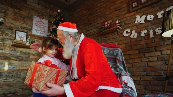 play preview video - Santa Claus Presents