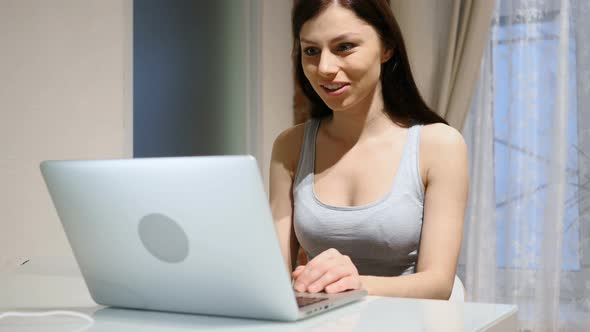 Web chat girl