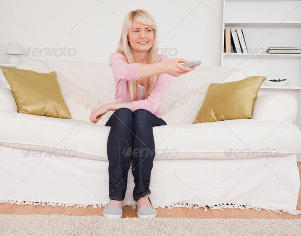 три девчонки на диване фото