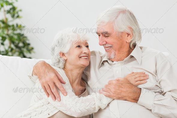 в постеле фото бабуля и внук Пальцев
